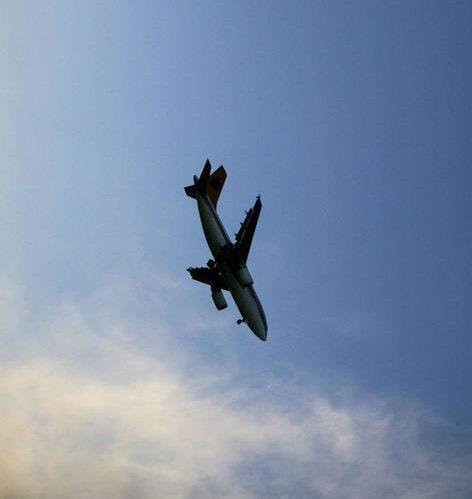 avião caindo