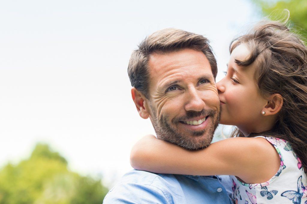 Sonhar com pai que já morreu: o que isso significa?